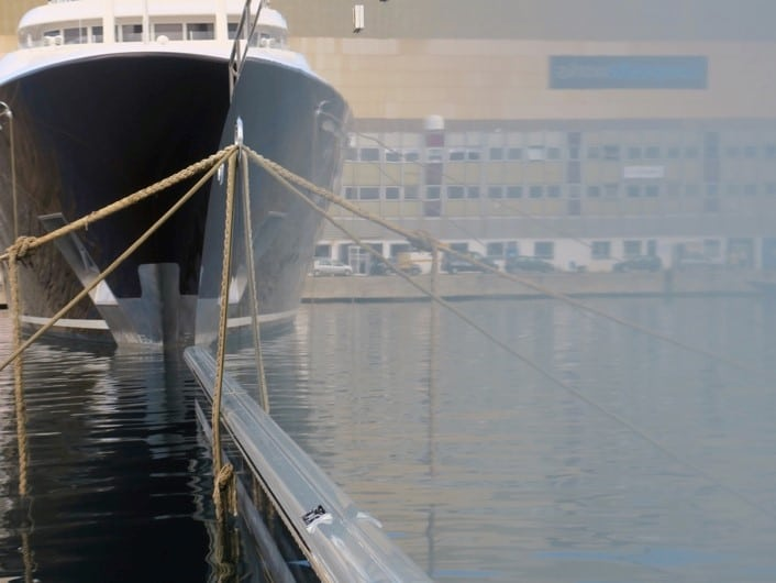 Very good fairing-reflection on images on SB hull 2